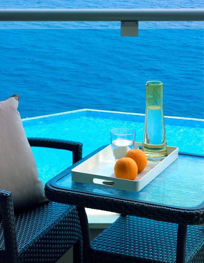 PREMIUM SEAFRONT PRIVATE POOL