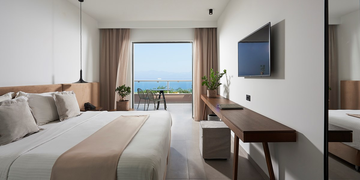 PREMIUM JUNIOR SUITE SEAFRONT